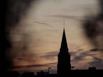 Komisia vo Francúzsku dostala okolo 2000 podnetov o zneužívaní detí kňazmi