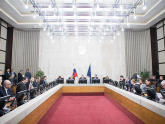 Rokovanie vlády aj o vojenskom zastúpení Slovenska v zahraničí