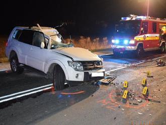 Vodič Mitsubishi neprežil zrážku s nákladným autom