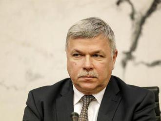 Vláda nečerpá ani to, čo má teraz, tvrdí Šramko: Dankovi pripomenul volebný program SNS