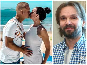 SHOWTIME: Tehotná TWiiNSKA prvýkrát prehovorila o svadbe s futbalistom, dojatý Ďurovčík úplne bez sl