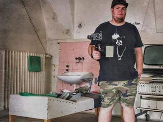Natáča opustené a zabudnuté miesta Slovenska: Mafiánska diskotéka v Bratislave je top