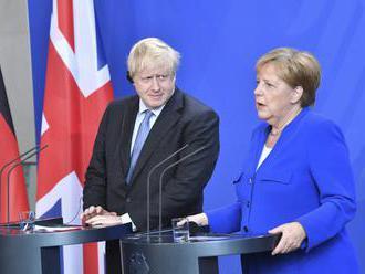 Merkelová stále pripúšťa riadený brexit, Nemecko je pripravené aj na odchod bez dohody