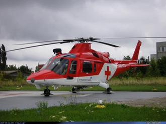 Dievčatko zostalo po úraze hlavy v bezvedomí, leteckým záchranárom sa ho nepodarilo oživiť