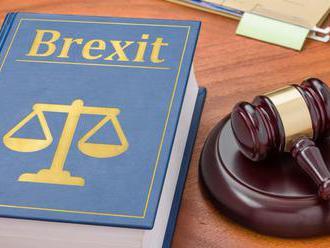 Súd v Belfaste odmietol tvrdenia, že brexit bez dohody poškodí mierový proces