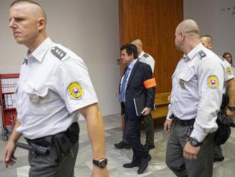 Kočnera po súde neodviezli do Leopoldova, skončil v Nitre. Súvisí to s vraždou Jána Kuciaka