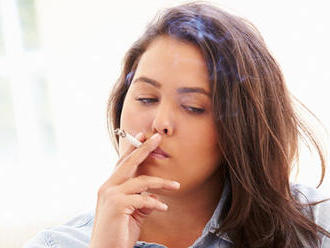 Zlá správa pre fajčiarov: Cigarety pôjdu opäť hore, aj tie bezdymové