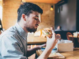Zákazníci v reštauráciách a jedálňach budú informovaní o pôvode mäsa v jedlách