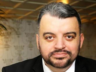 Eduard Chmelár bude mať hnutie Socialisti.sk, podpisy už odovzdal na ministerstve