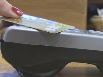 Zvykli ste si na rýchle bezkontaktné platby bez PIN kódu? Od soboty prichádza zmena