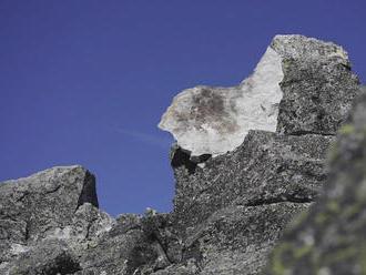 Nové zábery na ikonický vrch Končistá po zásahu bleskom: Hľadá sa jeho nový názov