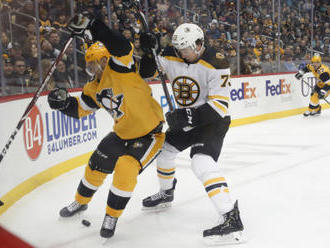 Simon načal obrat Pittsburghu, Pastrňákův gól Bostonu nepomohl