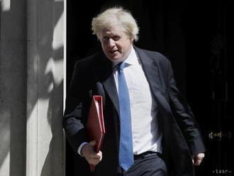 Johnson: Dohodu o iránskom jadrovom programe nech nahradí Trumpova
