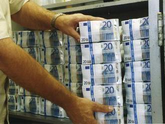 Banky majú prvú splátku bankového odvodu uhradiť do 25. januára