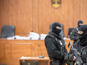 Minúta po minúte: Súd pokračuje, vypočuje rodiny zavraždených aj Andruskóa
