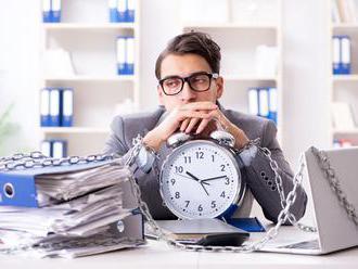Psychiatr: Workoholici si neumí užít volný čas. K závislosti vede i nedostatek vztahů