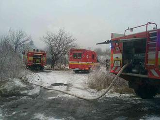 Tri mladé obete v Košiciach. Telá našli v zhorenej stavbe