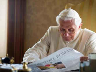 Emeritný pápež Benedikt XVI. žiada odstránenie svojho mena z kontroverznej knihy o celibáte