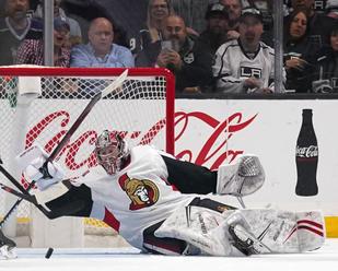 NHL: Ottawa uzavrela kontrakt s brankárom Daccordom