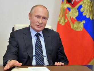 Putin ubezpečil, že napriek nárastu prípadov neplánuje celonárodný lockdown