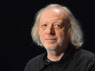 Státní cenu dostal spisovatel Ajvaz, oceněn byl i režisér Forman