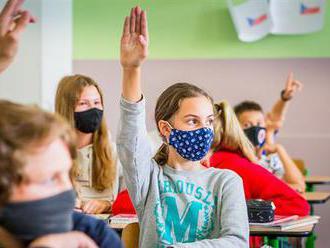 �Líbivé, ale nereálné  �. Ministerstvo školství je skeptické k nápadu Prymuly učit děti na škole v pří