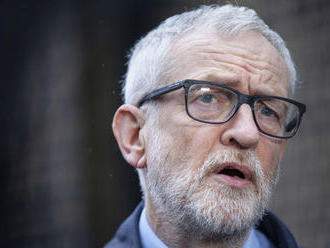 Britskí labouristi pozastavili exlídrovi Corbynovi členstvo za antisemitizmus