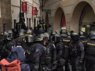Protesty? Aj policajti provokovali, chceli si udrieť, tvrdí majster sveta