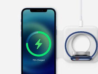 Apple opäť prvý. K mobilom už nepribalí nabíjačku ani slúchadlá