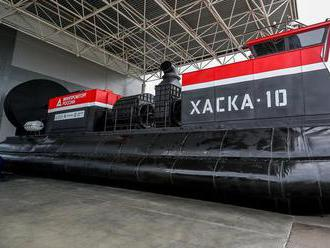 Kalašnikov Chaska-10: Nové ruské vznášadlo má dva motory 'Bugatti'