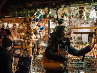 Nákaza zrejme zastaví i vianočné trhy, mestá sa ich nechcú vzdať