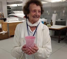 Muzeum předalo příbuzné oběti holokaustu předmět zabavený nacisty