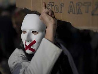 Francúzsko: Proti návrhu bezpečnostného zákona protestovali tisíce ľudí