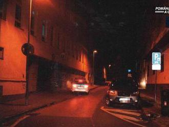 Bratislava: Policajti pátrajú po vodičovi, ktorý zrazil chodca a ušiel