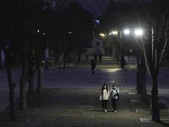 Južná Kórea od utorka zavrie nočné kluby a obmedzí prevádzku reštaurácií