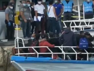 Na ostrov Lampedusa prišlo len za prvý novembrový týždeň 2430 migrantov