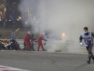 Grosjean mal na VC Bahrajnu vážnu haváriu, pri požiari monopostu utrpel popáleniny. Vyhral Hamilton