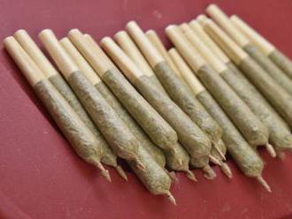 Viac ako polovica opýtaných Slovákov je proti zmene trestu za fajčenie marihuany