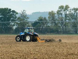 Poľnohospodári vidia problémy v agrorezorte, napätá situácia pretrváva
