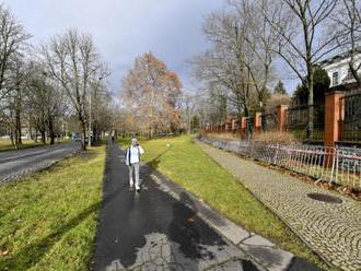 Praha slavnostně přejmenuje náměstí Pod Kaštany po Němcovovi