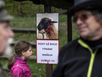 Stát si musí vybrat mezi pastevectvím a vlky, znělo na konferenci
