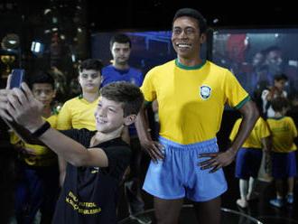 Pelé má v Riu sochu, ceremoniálu se nezúčastnil