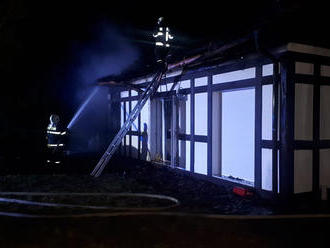 Dvoumilionovou škodu způsobil požár domku vKuřimi, vyhlášen byl druhý stupeň požárního poplachu