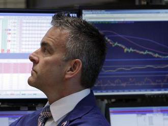 Kurz eura klesol na najnižšiu úroveň za takmer tri roky