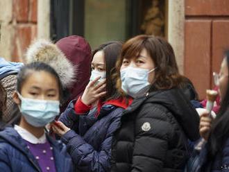 Ľuďom, ktorí zatajujú symptómy koronavírusu, hrozí v Číne trest smrti