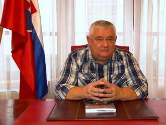 """Slota sa obul do Danka: """"Hádam i spáva s Belom Bugárom."""" Zároveň odporúča voliť Vlasť"""