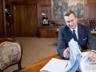 Časť programu SNS o rodine má takmer rovnaké pasáže ako program Viktora Orbána