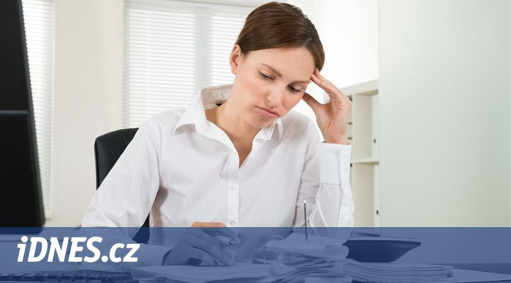 Daně a jak na ně: Kdy musí i zaměstnanec vyplňovat lejstra