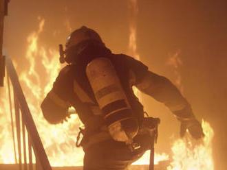 V Karlovej Vsi v Bratislave zhorel dvojpodlažný rodinný dom