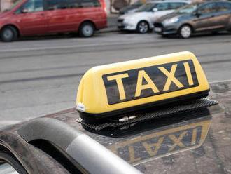 Taxikár sa hnal Bratislavou ako drak, s 3,67 promile v krvi